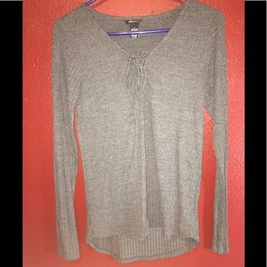 Rue 21 grey long sleeve (A3)